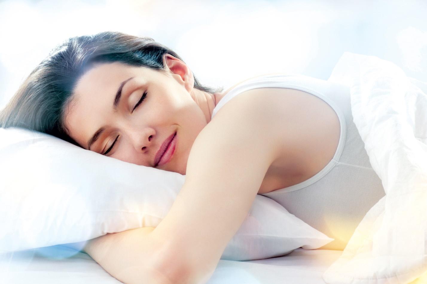 vì sao chị em phụ nữ nên để gừng dưới gối trị mất ngủ
