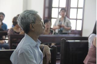 Xét xử ông già 77 tuổi dâm ô trẻ em ở Vũng Tàu: Bị cáo liên tục chối tội