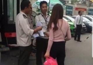 Vụ chặn xe cứu thương vào BV Bạch Mai: Đình chỉ công tác 2 bảo vệ