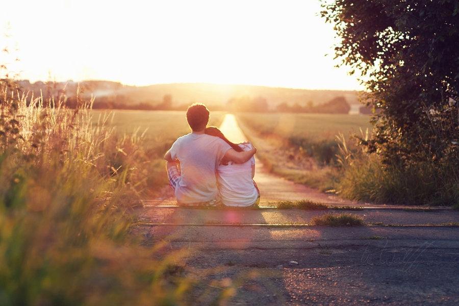 cặp đôi hạnh phúc thường nói chuyện gì với nhau?