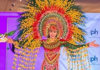 Miss Universe 2017: Tưng bừng phần thi trang phục dân tộc