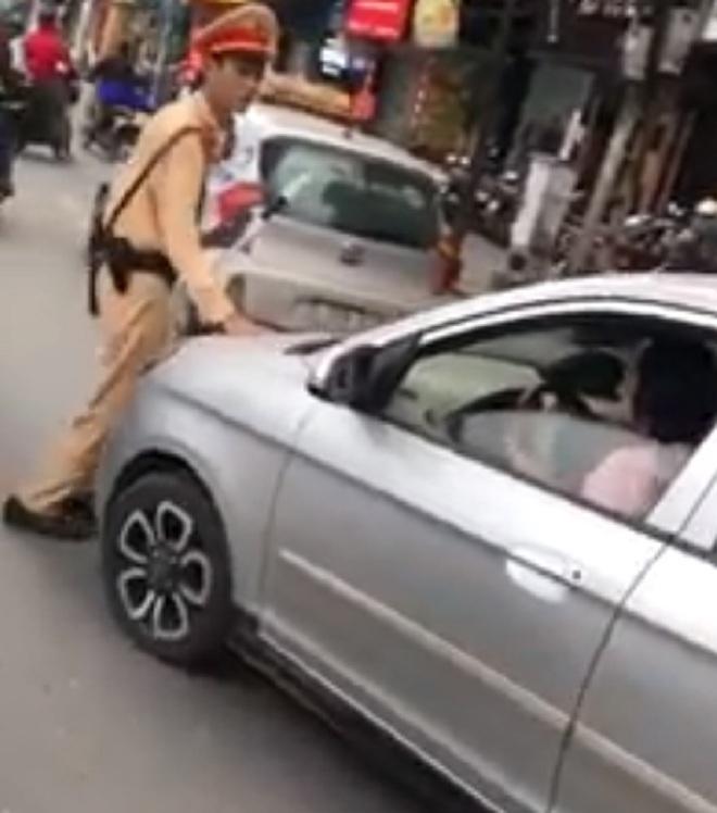 Hiện nữ tài xế đã đến trụ sở công an xin lỗi chiến sĩ CSGT