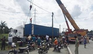 Trên đường đi xin việc, nam thanh niên bị xe container đâm tử vong