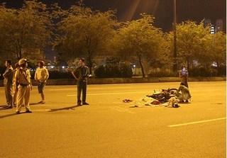 Đôi nam nữ thương vong do va chạm trong đêm tại xa lộ Hà Nội