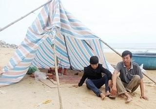 Thi thể học sinh đuối nước ở Hà Tĩnh trôi dạt vào biển Quảng Bình