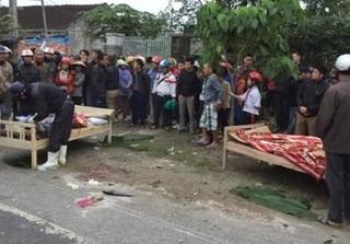 Bị xe tải kéo lê dưới gầm sau va chạm giao thông, 2 người đàn ông tử vong