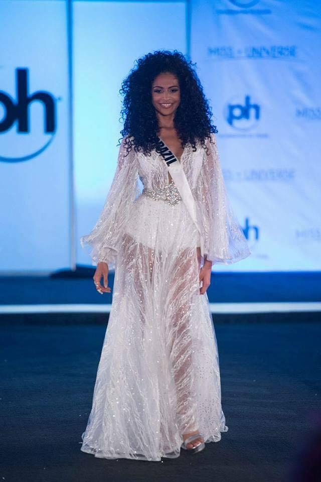 Sân khấu Miss Universe 2017 tồi tàn dìm hàng nhan sắc thí sinh 12