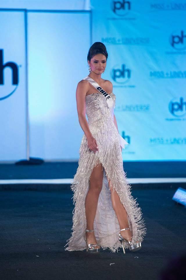 Sân khấu Miss Universe 2017 tồi tàn dìm hàng nhan sắc thí sinh 11