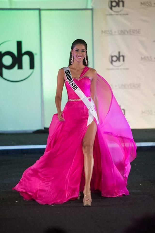 Sân khấu Miss Universe 2017 tồi tàn dìm hàng nhan sắc thí sinh 8