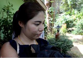 Chỉ vì bao cao su trong túi quần, vợ 22 tuổi đâm chết chồng U70