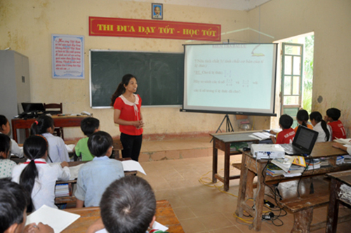 Bắt hiệu trưởng bán 6 tấn gạo của học sinh dân tộc bán trú