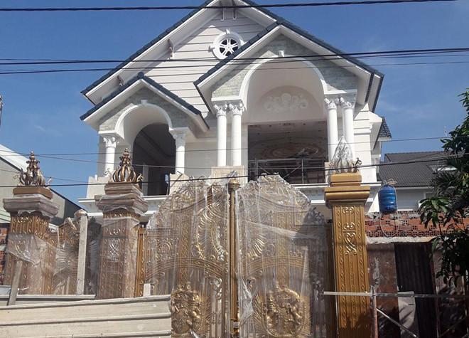 Sập giàn giáo biệt thự ở Biên Hòa khiến 2 người tử vong