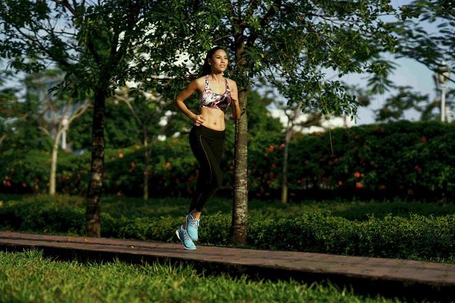 Bật mí cách Á hậu Nguyễn Thị Loan hình thể săn chắc tại Miss Universe 2017