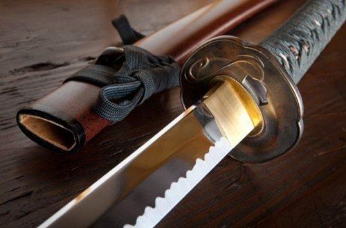 Những thanh gươm bí ẩn