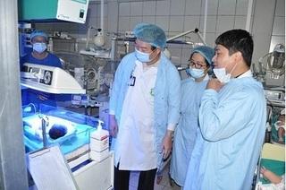 Sau vụ 4 trẻ tử vong tại BV Sản Nhi Bắc Ninh: Huy động bác sỹ giỏi nhất cứu chữa 19 cháu được đưa lên tuyến Trung ương