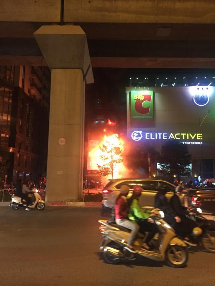 cháy cạnh BigC Hà Đông