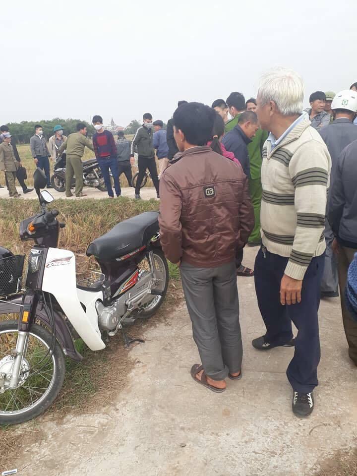 Phát hiện thi thể cô gái dưới mương nước ở Nam Định
