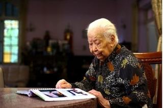 Gia đình cụ Trịnh Văn Bô ủng hộ 400 triệu tiền viếng, lập 2 quỹ từ thiện