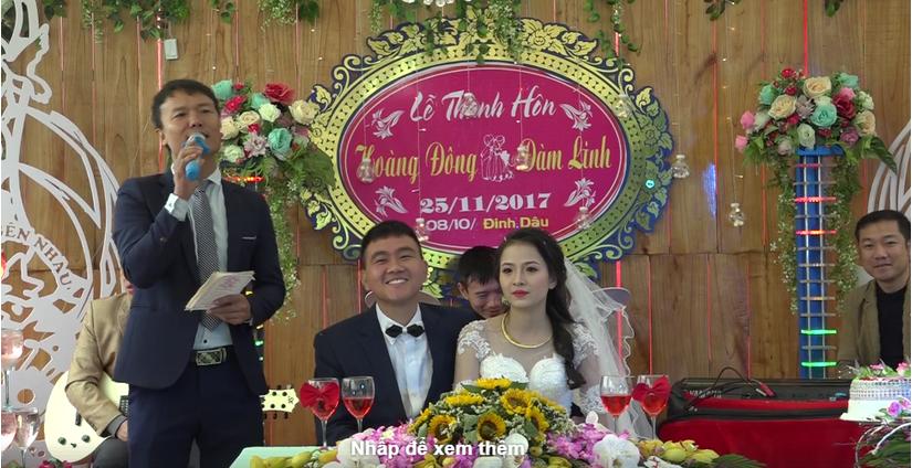 Đám cưới ở xứ Thanh, người thân, bạn bè nườm nượp lên trao vàng1