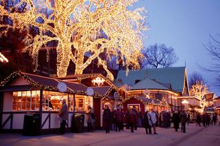 Hình ảnh chúc mừng giáng sinh đẹp nhất từ 10 địa điểm nổi tiếng thế giới