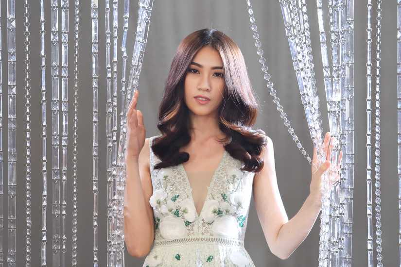 Hé lộ hình ảnh thí sinh Hoa hậu Hoàn vũ Việt Nam quay quảng bá cho đêm chung kết 4