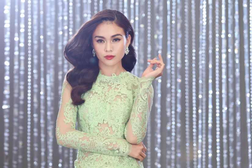 Hé lộ hình ảnh thí sinh Hoa hậu Hoàn vũ Việt Nam quay quảng bá cho đêm chung kết 6