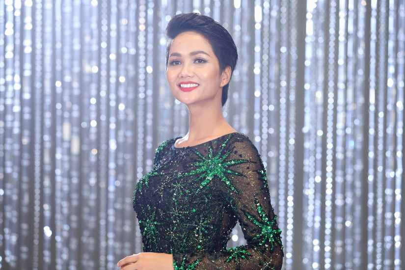 Hé lộ hình ảnh thí sinh Hoa hậu Hoàn vũ Việt Nam quay quảng bá cho đêm chung kết 9