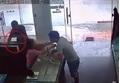 Clip vạch mặt 2 gã đàn ông trộm đồ trong