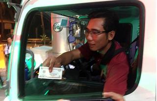 BOT Cai Lậy: Trả tiền lẻ 100 đồng lúc nửa đêm