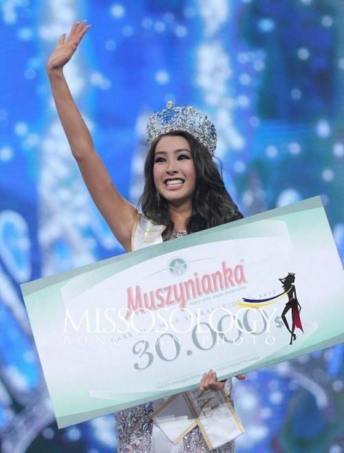 Tân Hoa hậu Siêu quốc gia bị chê má phính, thần sắc kém thanh toát 3