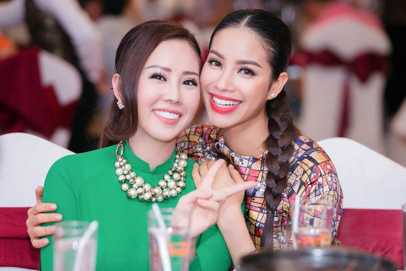 Thu Hoài bóng gió nói Hoa hậu Phạm Hương và fan mất dạy? 2
