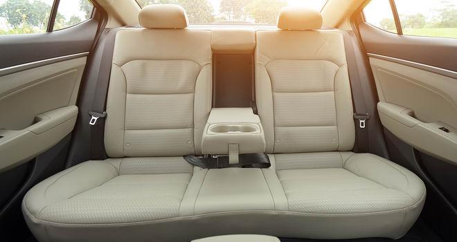 Hyundai Elantra giảm giá không phanh trước thềm 2018
