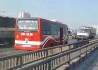 CSGT khẩn trương truy tìm xe khách chay ngược chiều vun vút trên đường vành đai 3 trên cao