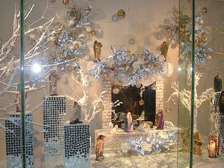 Mách bạn cách làm hang đá Giáng Sinh mini đẹp tại nhà