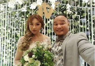 Choáng với tiền mừng ''lầy lội'' từ khách mời trong đám cưới Vinh Râu