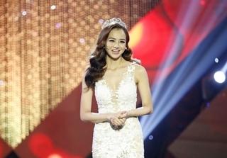 Én vàng: Hoa hậu cất vương miện vì không muốn ví là bình hoa di động