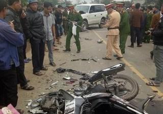 Tai nạn thảm khốc giữa xe UBND huyện với xe máy, 3 người tử vong
