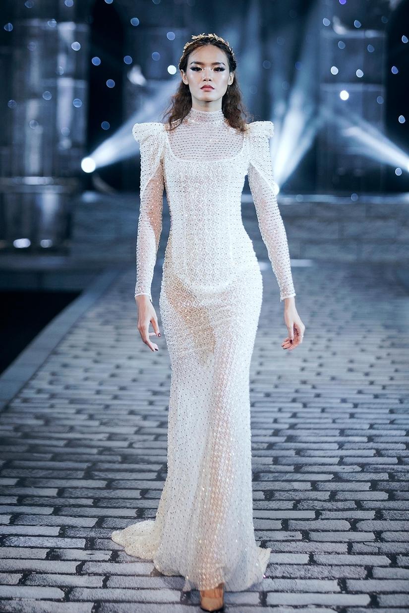 Những nữ thần quyến rũ của Nhà thiết kế Chung Thanh Phong trong show Shes A Goddess 14