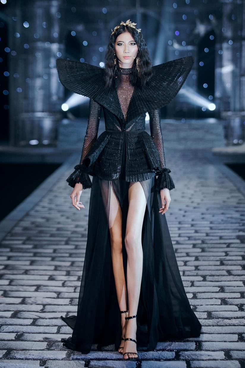 Những nữ thần quyến rũ của Nhà thiết kế Chung Thanh Phong trong show Shes A Goddess 11