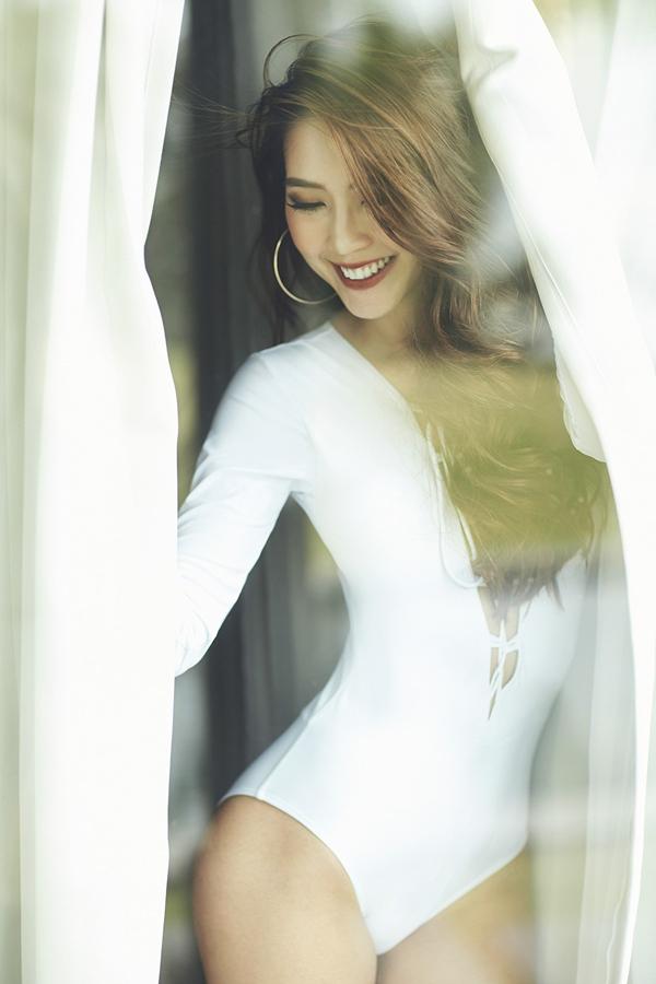Hoa hậu The Face Tường Linh khoe eo thon dáng đẹp với bikini 11