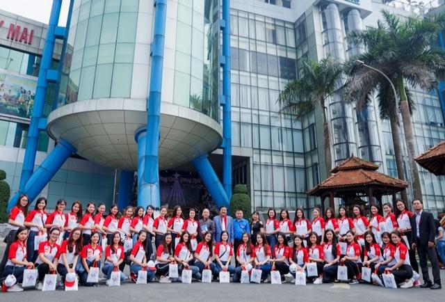 Top 45 Hoa khôi sinh viên giao lưu với tác giả Chuyện nhà Dr Thanh 5