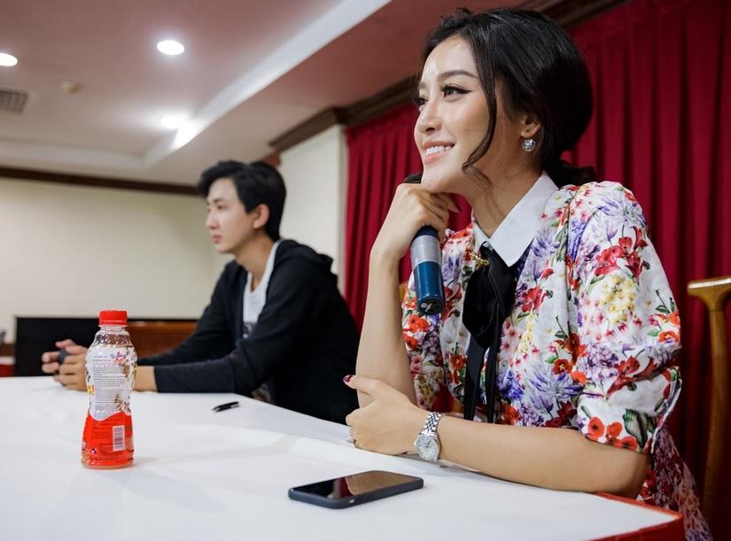 Top 45 Hoa khôi sinh viên giao lưu với tác giả Chuyện nhà Dr Thanh 7