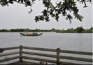 Tìm thấy thi thể bé gái 4 tuổi bị mất tích nổi trên sông Hương