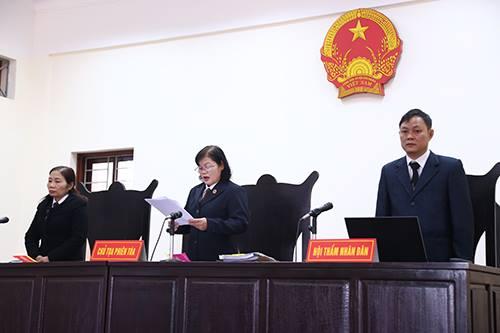 TAND Hòa bình bác bỏ đơn của tài xế lái xe kiện CSGT tỉnh