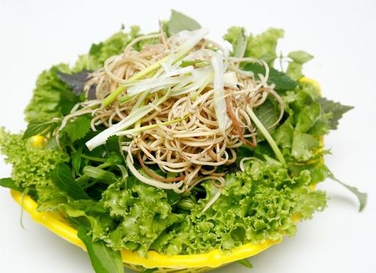 ăn rau sống cũng có thể gặp phải nguy cơ ngộ độc thực phẩm