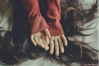 Học cách yêu thương chính mình, quên mối tình không trọn vẹn ấy đi em