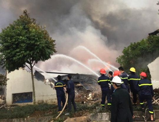 vụ cháy lớn, công nhân hoảng loạn