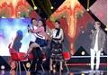 'Thầy giáo mưa' Mai Tài Phến bị cưỡng hôn trên sân khấu