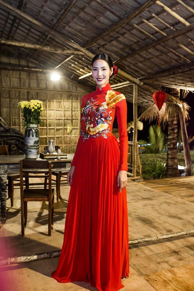 Hoàng Thuỳ Hoa hậu Hoàn vũ Việt Nam 7