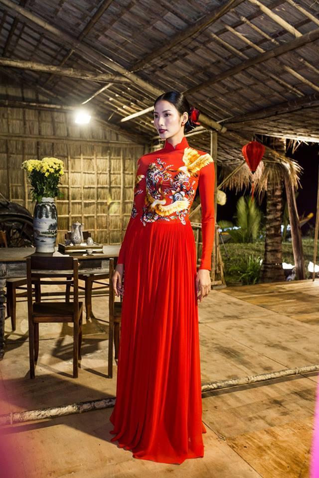 Hoàng Thuỳ Hoa hậu Hoàn vũ Việt Nam 8